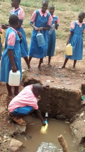 The Water Project : 15-kenya4648-fetching-water