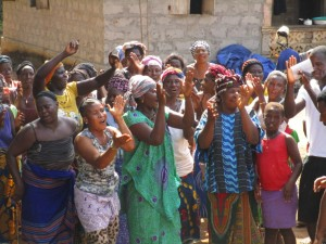 The Water Project : 20-sierraleone5095-breaking-ground