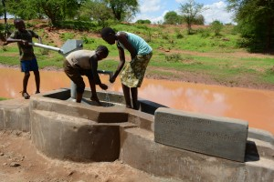 The Water Project : 22-kenya4499-hand-dug-well