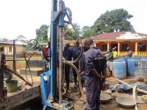 The Water Project : 22-sierraleone5095-drilling