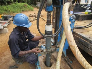 The Water Project : 27-sierraleone5095-drilling