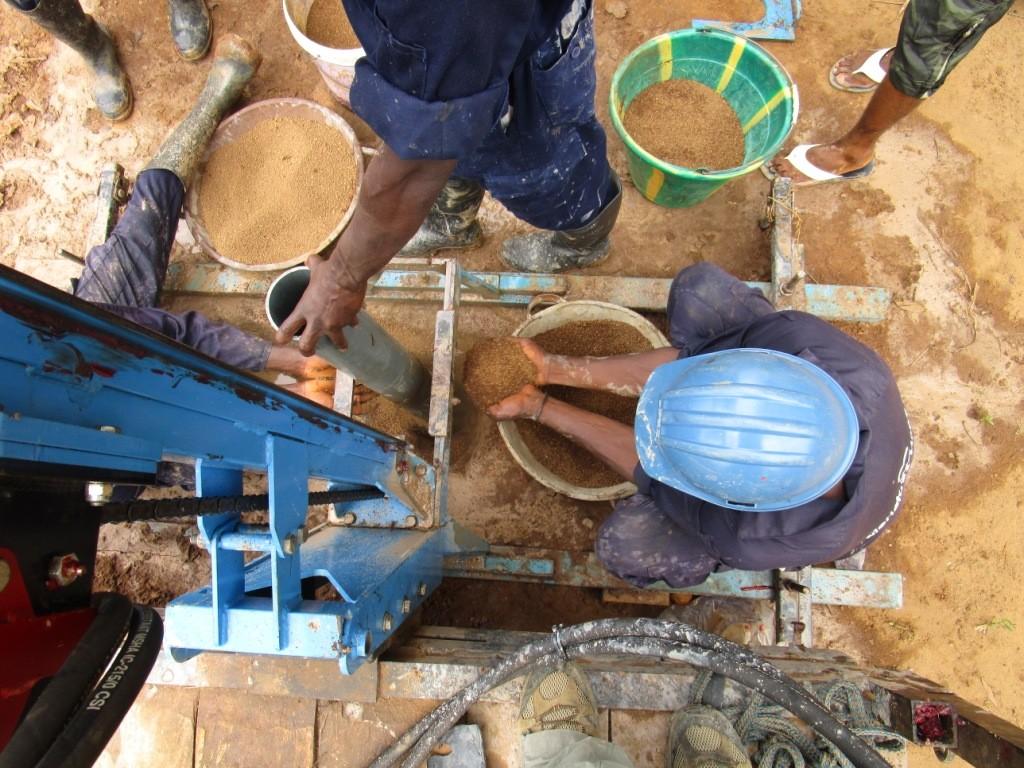 32 sierraleone5095 drilling