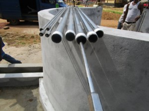 The Water Project : 36-sierraleone5095-pump-installation