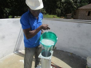 The Water Project : 40-sierraleone5095-pump-installation