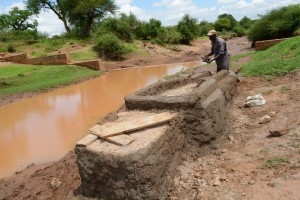 The Water Project : 8-kenya4499-construction