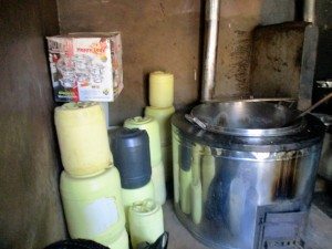 The Water Project : 9-kenya4633-kitchen-water-containers