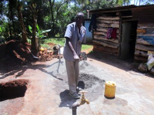 The Water Project : 11-kenya4633-construction