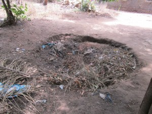 The Water Project : 15-sierraleone5107-rubbish-pit