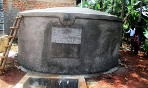 The Water Project : 17-kenya4633-finished-tank