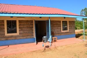 The Water Project : 17-kenya4800-hand-washing-station