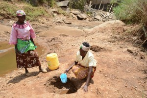 The Water Project : 2-kenya4760-fetching-water