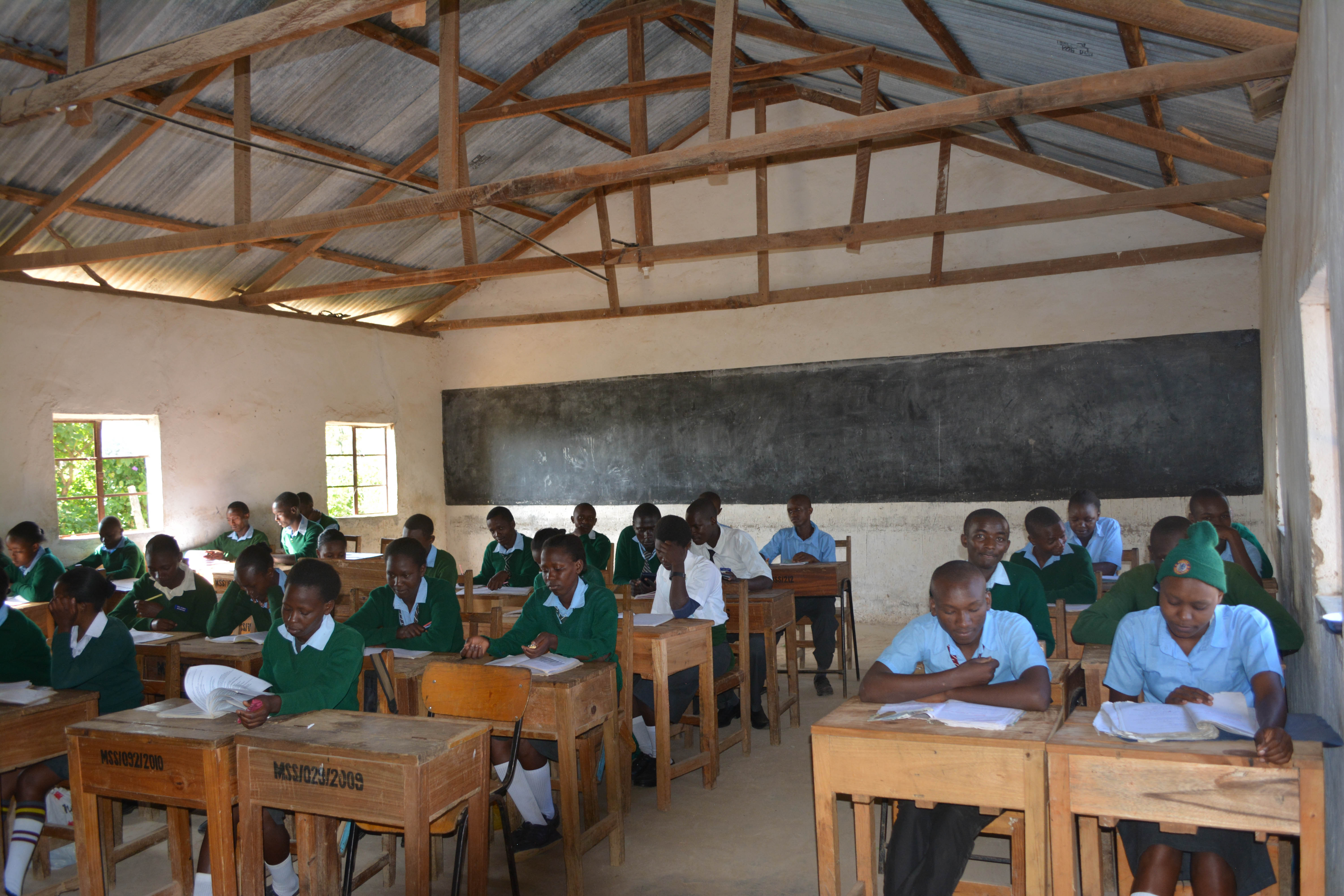 The Water Project : 2-kenya4800-classroom