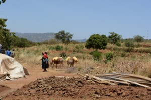 The Water Project : 26-kenya4756-sand-dam-construction