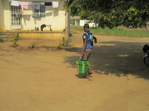 The Water Project : 3-sierraleone5102-carrying-water