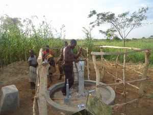 The Water Project : 3-uganda6077-pump-installation