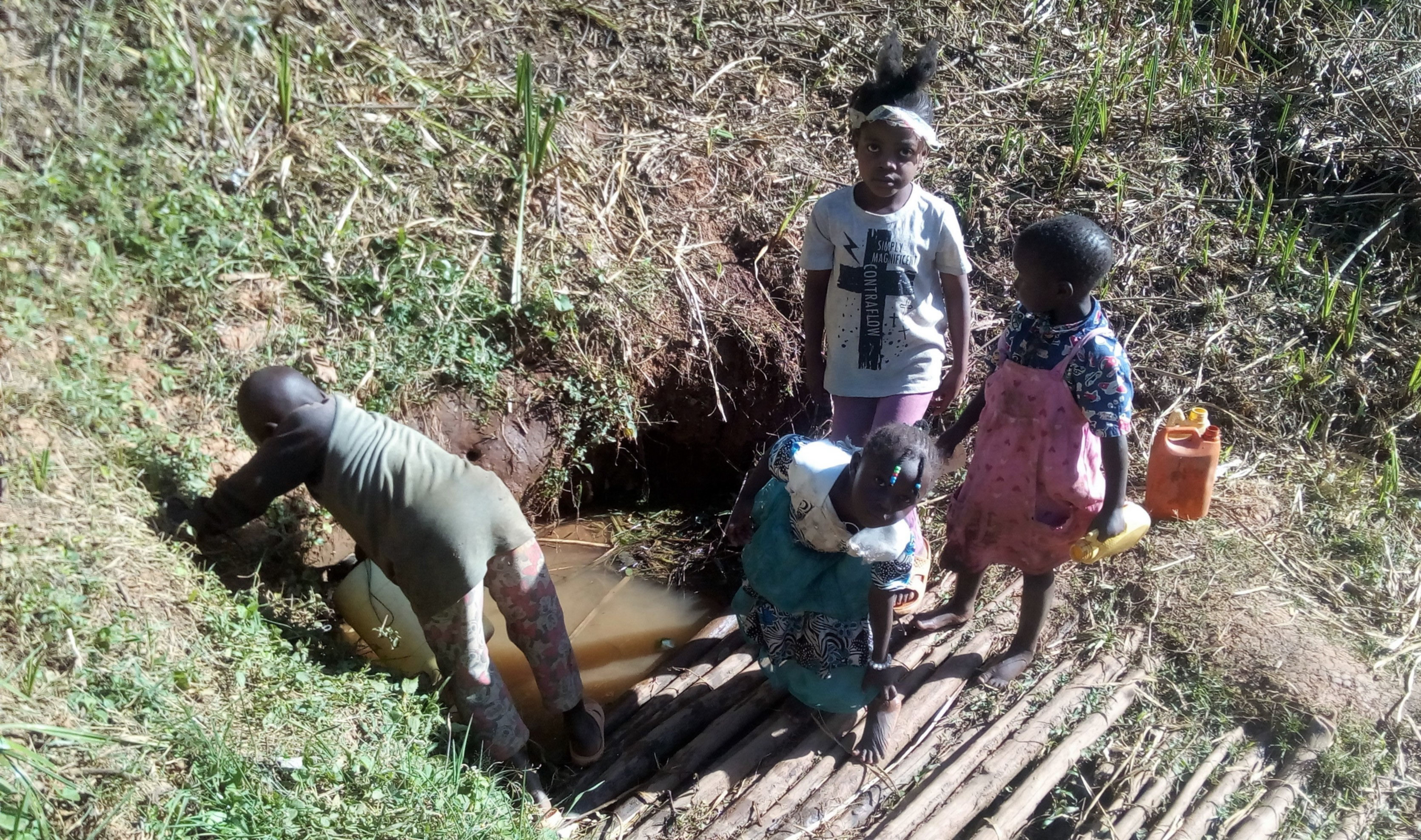 The Water Project : 4-kenya4704-fetching-water