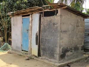 The Water Project : 4-sierraleone5102-latrine