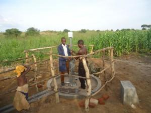 The Water Project : 4-uganda6077-pump-installation