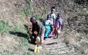 The Water Project : 5-kenya4704-fetching-water