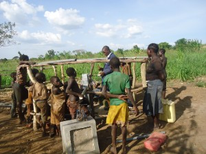 The Water Project : 6-uganda6077-pump-installation