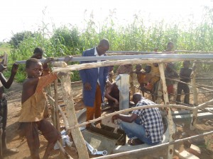 The Water Project : 7-uganda6077-pump-installation