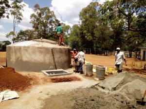 The Water Project : 11-kenya4636-construction