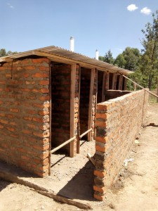 The Water Project : 11-kenya4638-construction