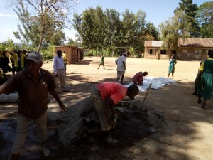 The Water Project : 15-kenya4638-construction