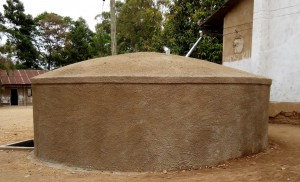 The Water Project : 20-kenya4638-finished-tank