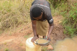 The Water Project : 20-kenya4757-another-dirty-water-source