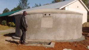 The Water Project : 21-kenya4637-tank-construction