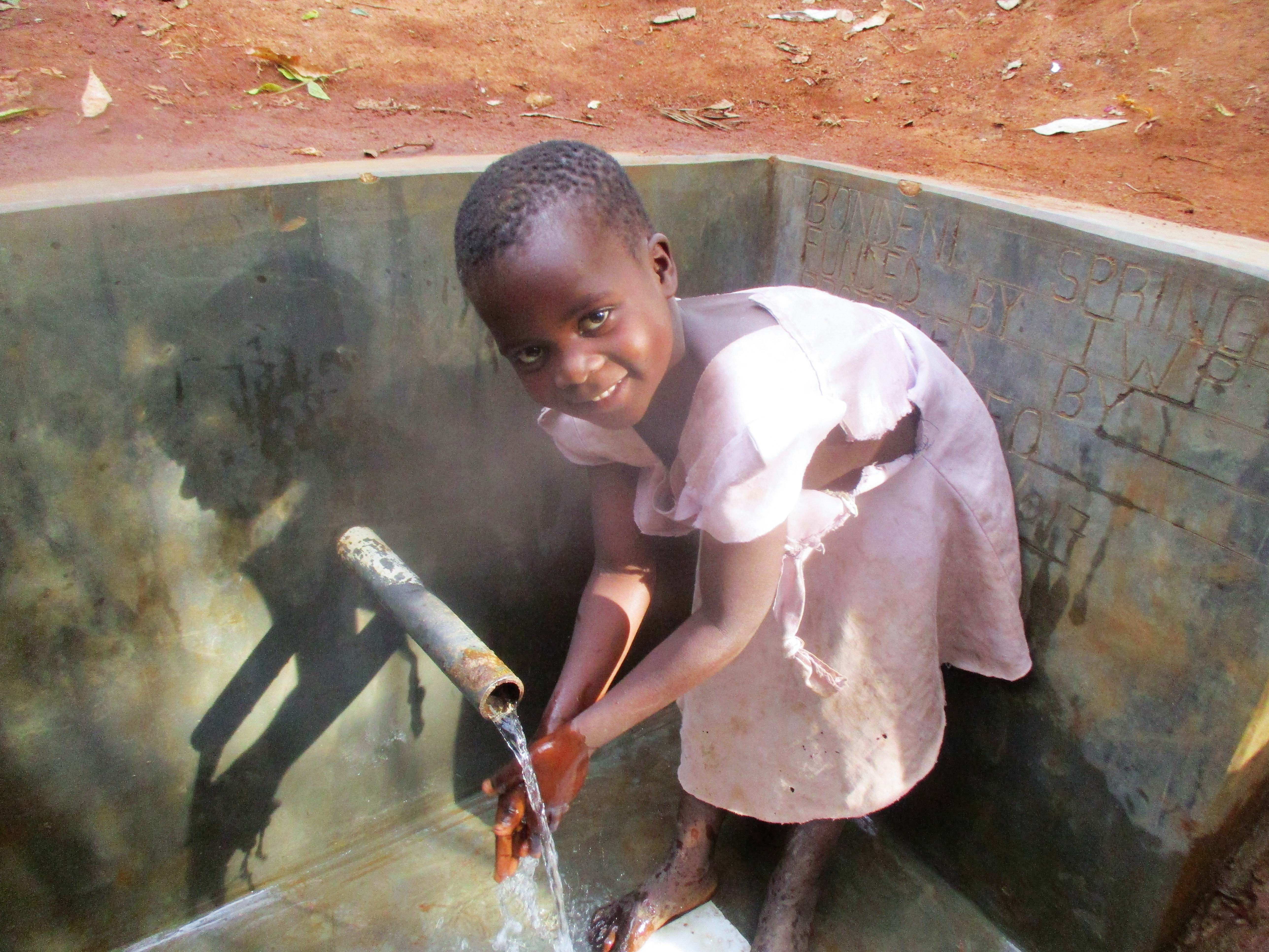 The Water Project : 23-kenya4702-protected-spring