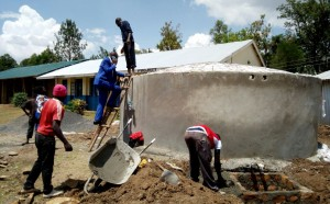 The Water Project : 30-kenya4637-tank-construction