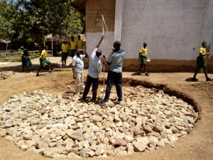 The Water Project : 8-kenya4638-construction