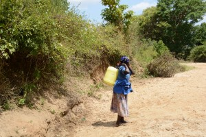 The Water Project : 1-kenya4782-family-one-fetching-water