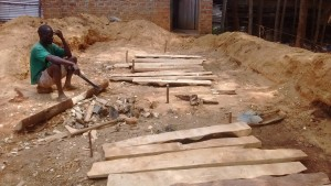 The Water Project : 11-kenya4646-construction