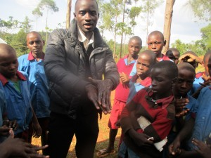 The Water Project : 11-kenya4649-training