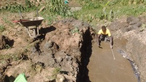 The Water Project : 11-kenya4697-construction