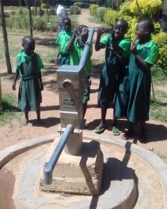 The Water Project : 12-kenya4692-broken-well