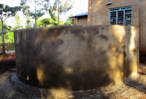 The Water Project : 14-kenya4641-tank-construction