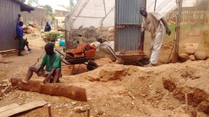 The Water Project : 14-kenya4646-construction