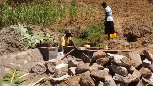 The Water Project : 15-kenya4697-construction
