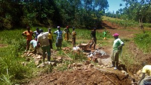 The Water Project : 15-kenya4704-collecting-materials