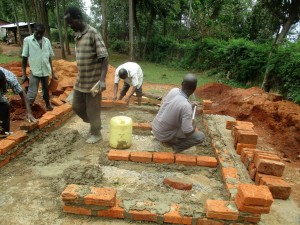 The Water Project : 16-kenya4640-construction
