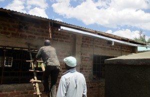 The Water Project : 18-kenya4641-gutter-installation