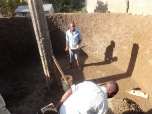 The Water Project : 18-kenya4646-construction