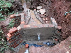 The Water Project : 19-kenya4703-construction