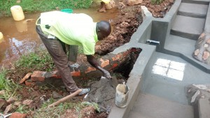 The Water Project : 19-kenya4709-construction