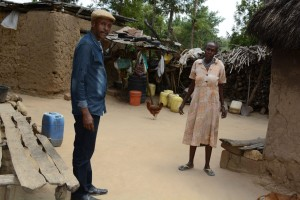 The Water Project : 19-kenya4782-family-two-household