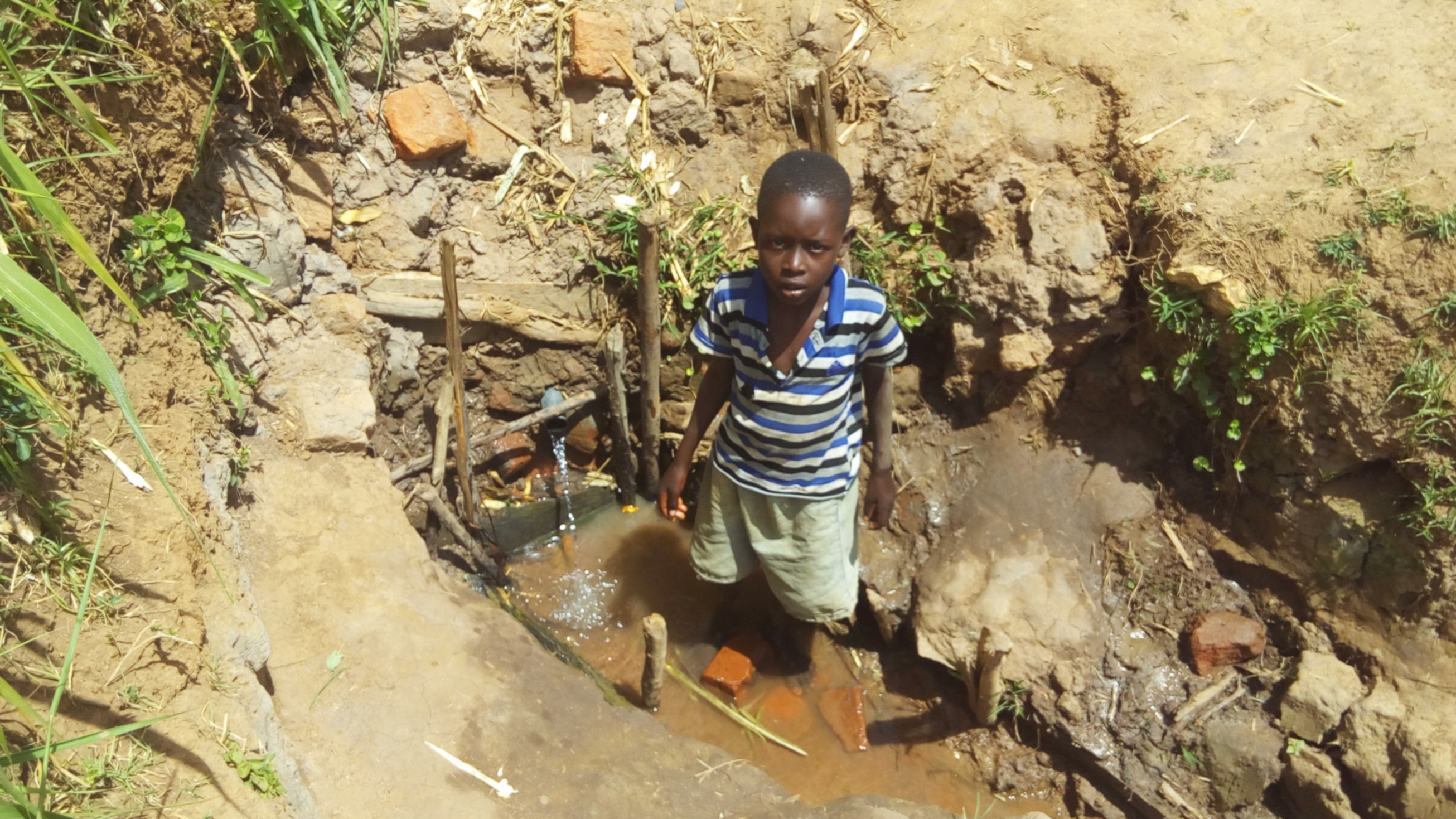 The Water Project : 2-kenya4727-brian-at-wefwafwa-spring